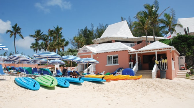 beach-at-Fairmont-Southampton-hotel-Bermuda