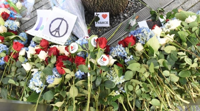 tribute-to-paris-terror-attack-2015