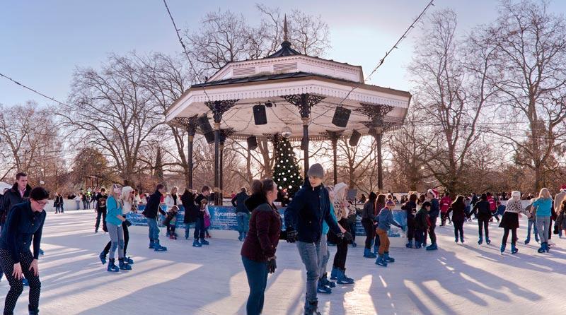 winter-wonderland-hyde-park-london-ice-skating