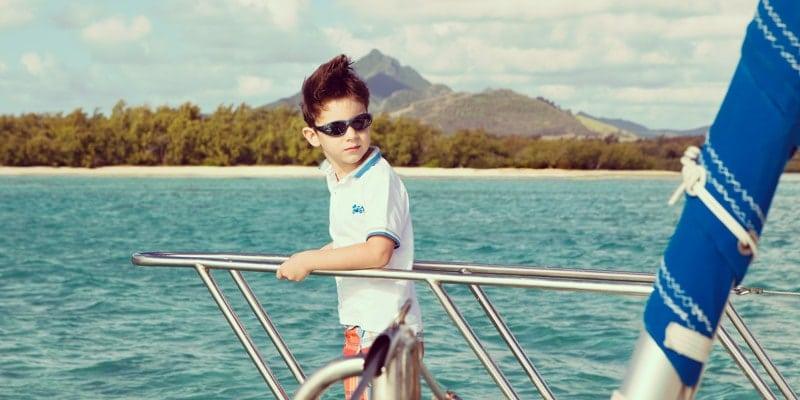 Cataraman-boy-mauritius