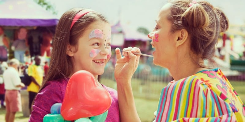 don't-wake-the-fish-festival-child-gets-face-paint