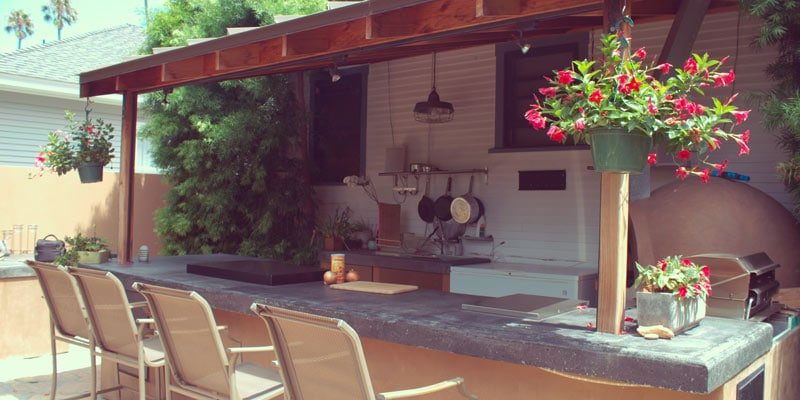 reilly-family-home-swap-outdoor-kitchen