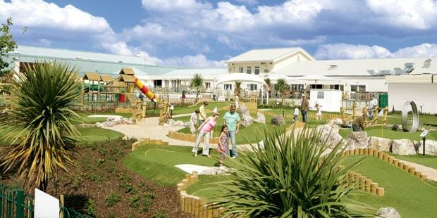 Crazy_golf_and_an_adventure_playground_are_just_some_of_the_facilities_families_can_enjoy_at_a_Parkdean_Holiday_Park_02_01