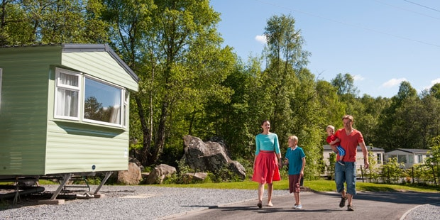 Taking_a_stroll_through_the_beautiful_surroundings_of_a_Parkdean_Holiday_Park_04_01
