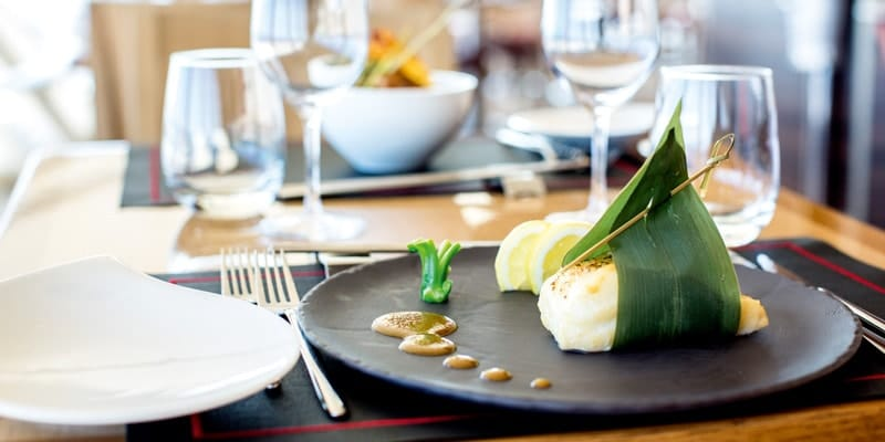 fish-dish-fine-dining-thompson-cruise-tui-discovery-restaurant