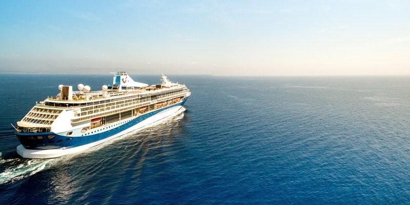 tui-thomson-cruise-ship