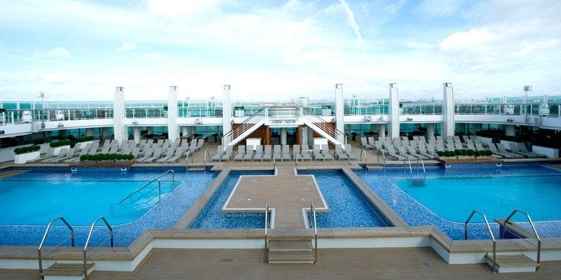 lido_pools_onboard-britannia-cruise-ship-po