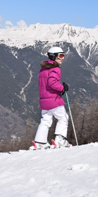 ucpa-serre-chevalier-easter-2016-credit-mark-barber-holly-on-top-of-slope-skis