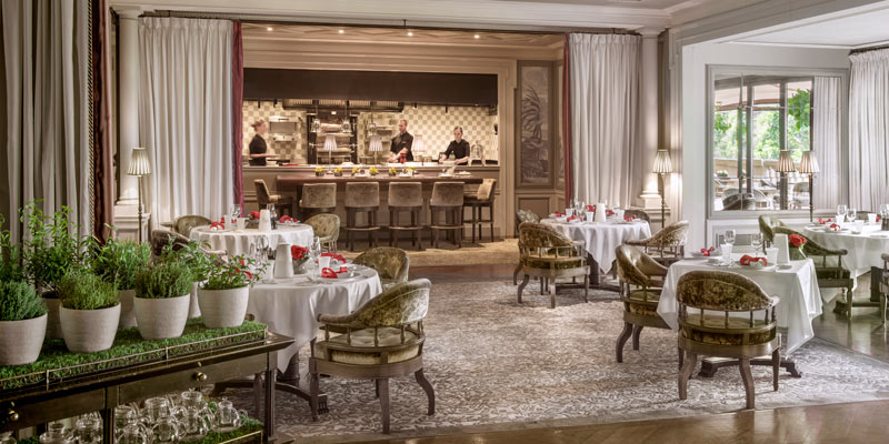 hotel-metropole-monaco-dining-room-live-kitchen