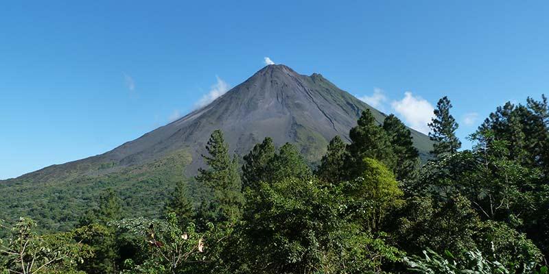rickshaw-travel-costa-rica-volcano