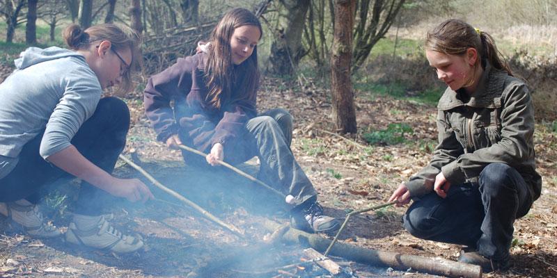 adventure-summer-camps-camp-wild-devon-girls-and-fire
