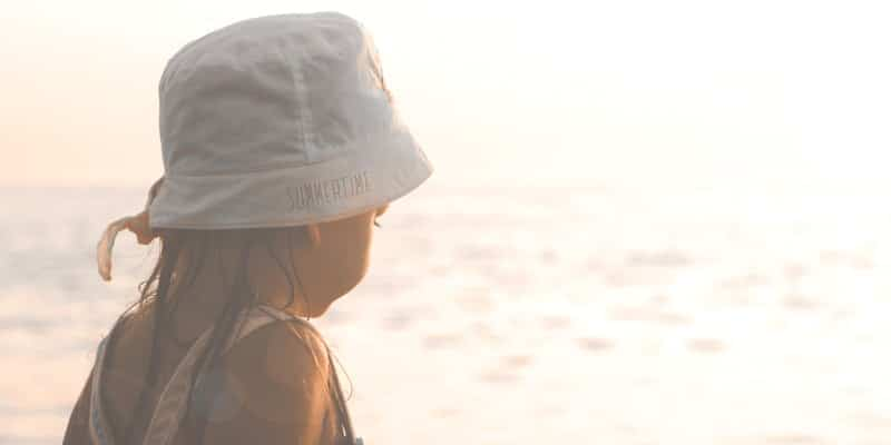 little-girl-in-sun-hat