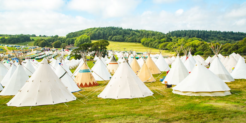 camp-bestival-bell-tents-and-tipis-in-camping-field