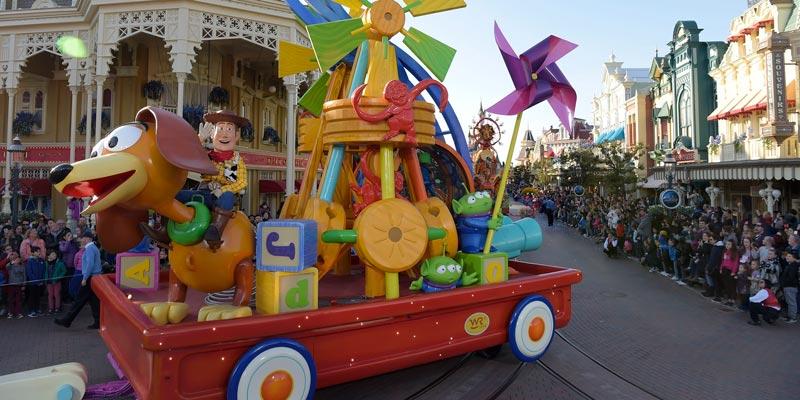 Disney-Stars-on-Parade_toy-story