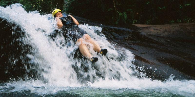 sri-lanka-Waterslides---Abi-canyoning-at-Borderlands