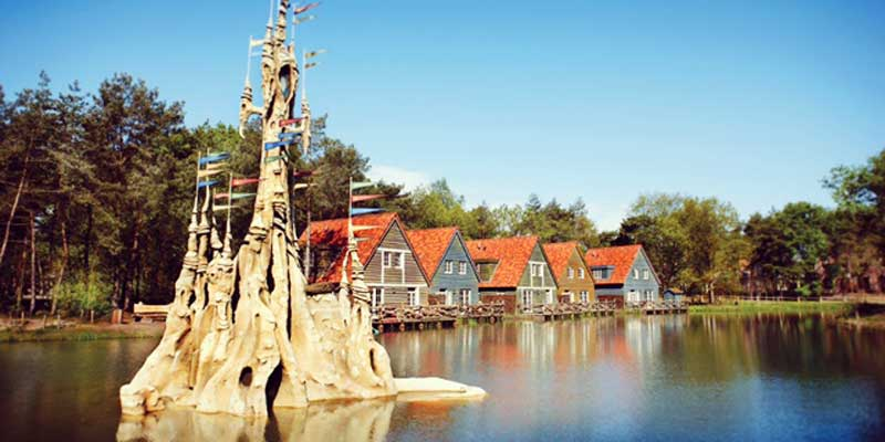Artist-impression-Tree-View-themed-room---Holiday-Village-Efteling-Loonsche-Land