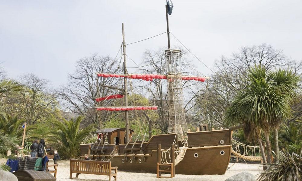 The-Pirate-Ship-at-Diana-Memorial-Playground-in-Kensington-Gardens