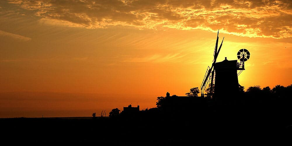Cley-Windmill-sunset-quirky-accom