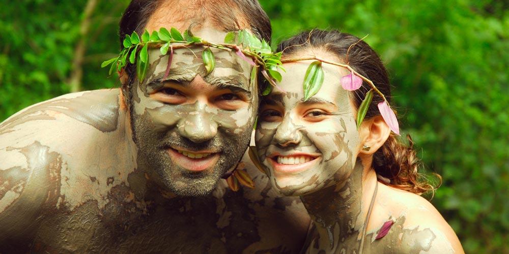muddy faces discover Costa Rica