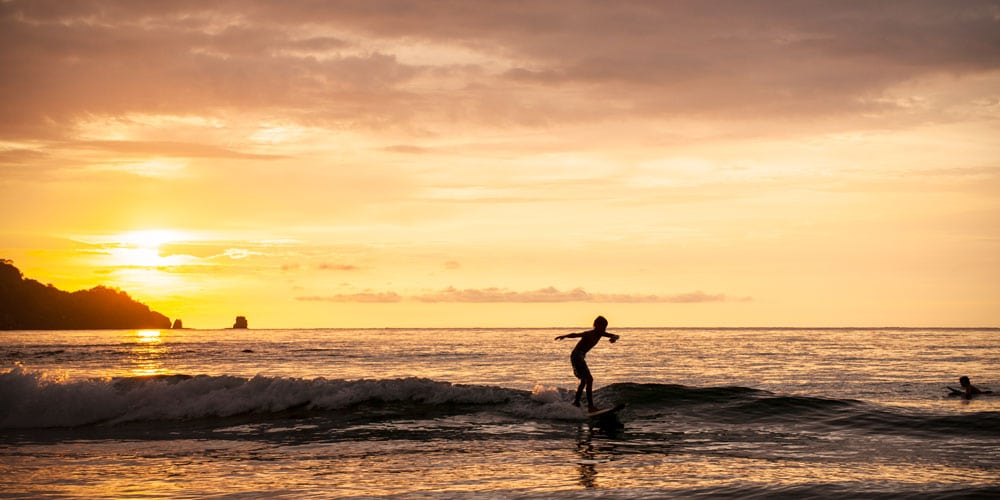 surfing costa rica experiences