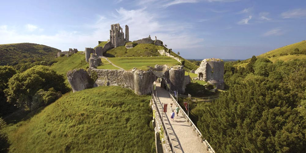 Corfe Castle 10 National Trust family days out worth a road trip with kids