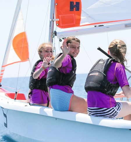 girls on boat - how to sail