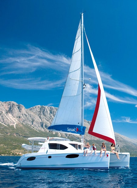 Sailing boat family - how to sail