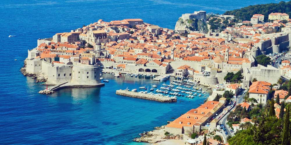 charter-a-family-yacht-Dubrovnik