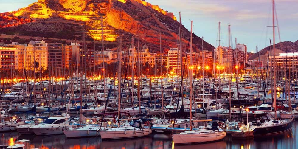 Puerto-Calero-charter-a-family-yacht