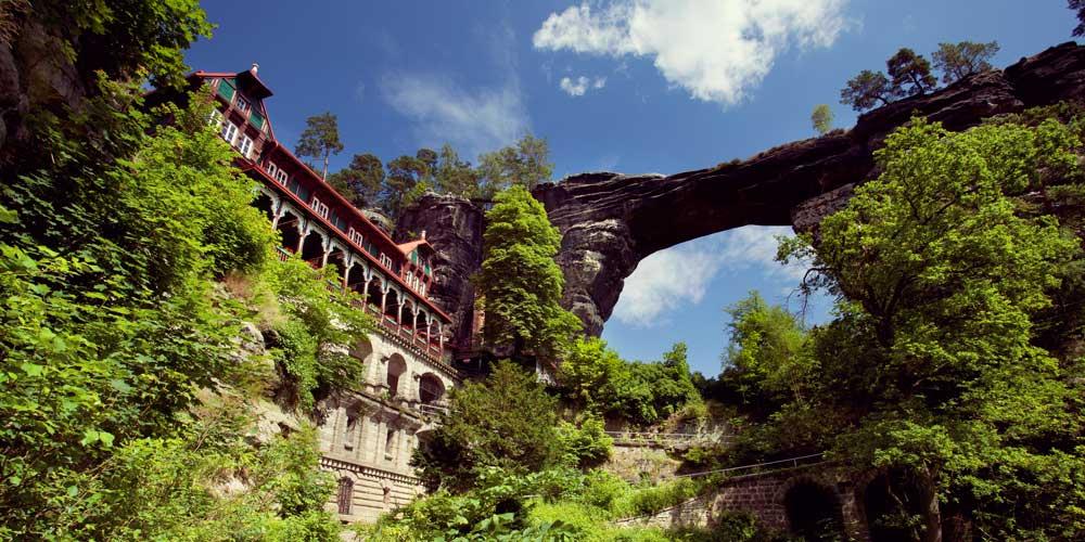 tallest-natural-stone-arch-Czech-Republic