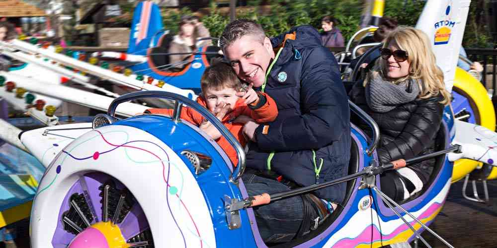7 UK theme parks you need to take your kids to before they grow up