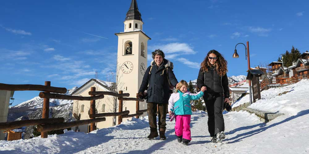 Chamois, Valle d'Aosta: the fairy tale Alpine resort for a fun family winter holiday