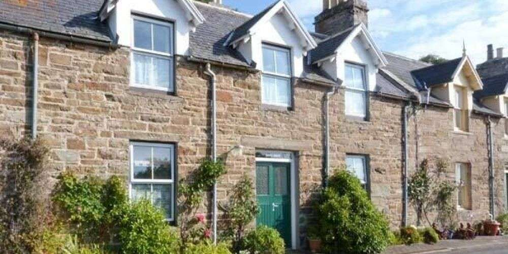dream family holidays homes to rent Vrbo country cottage Dunbeath Scotland