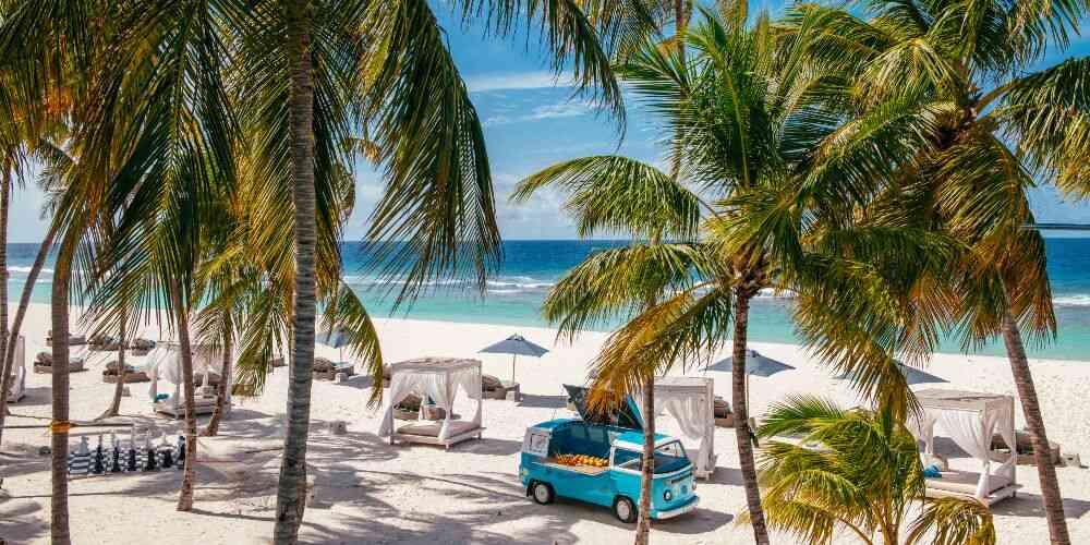 Maldives family holidays, Finolhu Baa Atoll Maldives, winter sun breaks, October half term breaks
