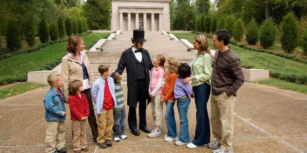 Kentucky family adventures Lincoln Birthplace family visit